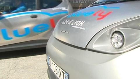 """Le grand Lyon lance """"Bluely"""" son service de voitures électriques en autopartage"""