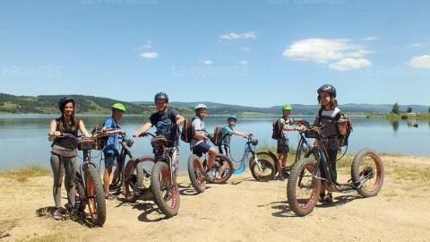 Des trottinettes électriques pour découvrir le lac de Naussac
