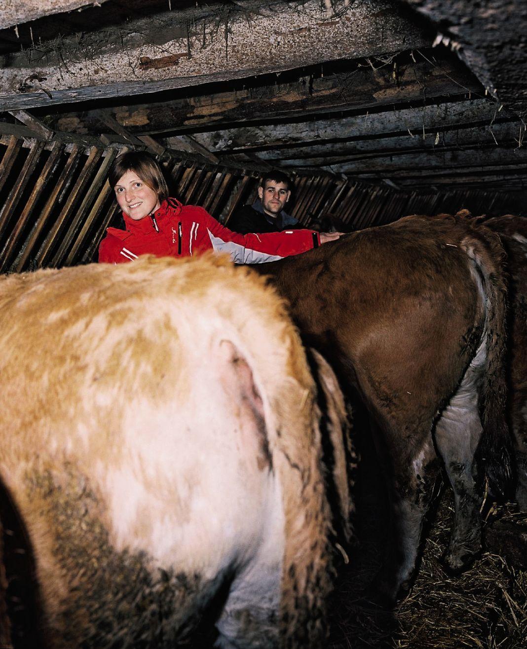 Isabelle et Cyril sont éleveurs près de Châteauneuf-de-Randon. Le couple dépend des réseaux sociaux pour la vente directe et pour poster des photos de leur exploitation. Ce qu'Isabelle appelle de la«communication positive».